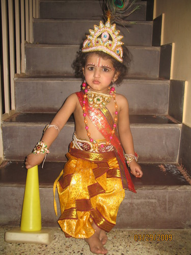 Krishna In Fancy Dress http://fantasyworld.in/